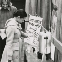 Library gives free coffee for finals week