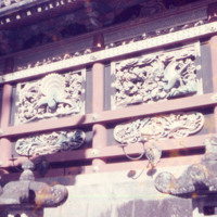 Carvings adjacent to Yōmei-mon at Nikkō Tōshōgū